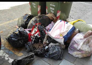 Borgo Guazzo (e non solo) nella morsa dei rifiuti in strada