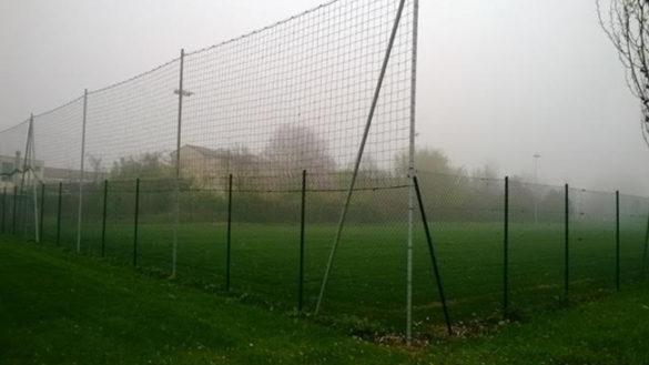 Campo da calcio in via Jacobs: il Comune vince contro i residenti