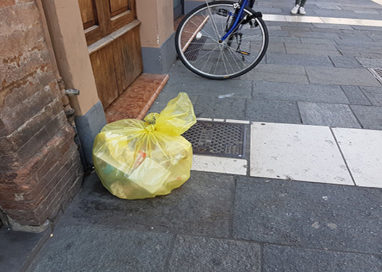 Con Luigi Alfieri in giro tra i quartieri e tra… i rifiuti