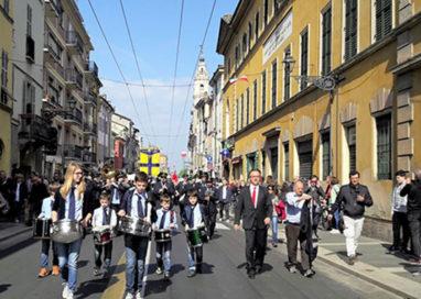 Parma rende omaggio alla Resistenza, in tanti al corteo