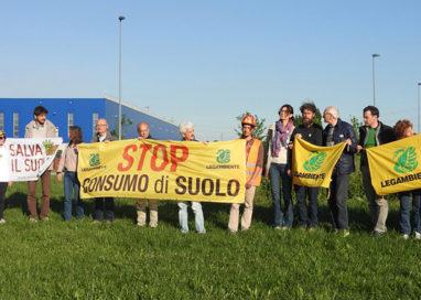 Stop al cemento, sabato 22 aprile anche a Parma la raccolta firme