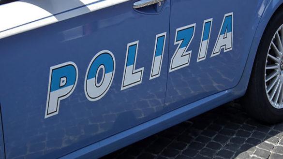 Furto a Fidenza, 200 scatoloni con jeans e gilet ritrovati a Parma