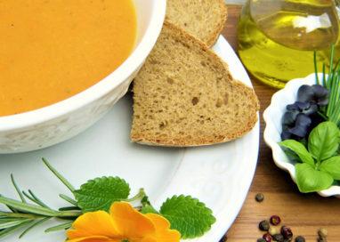 """Mangiare sano senza rinunciare al gusto, arriva la cena """"Detox e Brucia Grassi"""""""