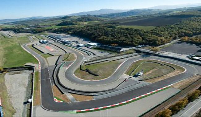 Circuito Varano De Melegari : Auto si scontrano sulla pista di varano dè melegari due