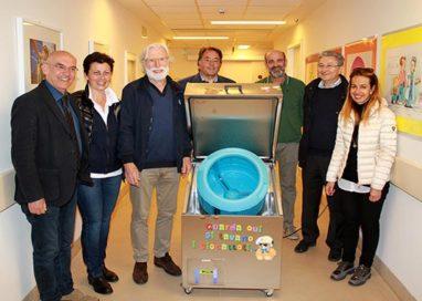 Ospedale dei Bambini: donata una lavatrice per sterilizzare i giochi
