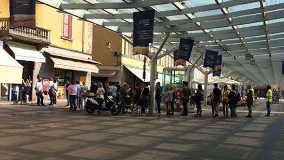 Tifosi in fila per comprare i biglietti di Piacenza – Parma