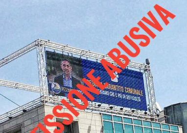 """Scarpa contro Pizzarotti: """"Fa pubblicità illegale in campagna elettorale"""""""