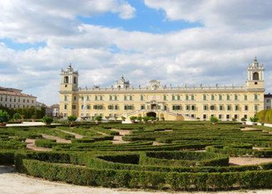 Operazione Equiseto. Volontari reclutati online per pulizia del giardino ducale