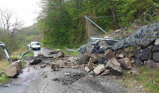 Caduta rocce: chiusa la strada tra Monchio e Corniglio