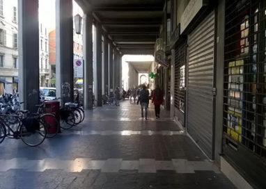 Banda di ladri in via Mazzini: aggredito un vigilante