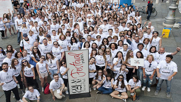 L'entusiasmo dei volontari per la grande festa
