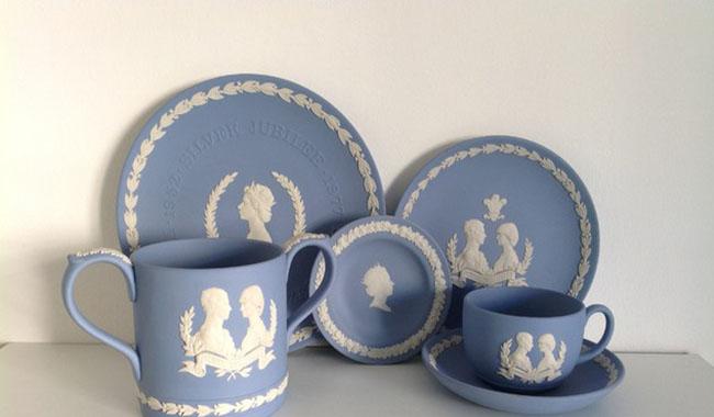 Un tè con Elisabetta II: fino al 2 luglio la mostra al Glauco Lombardi
