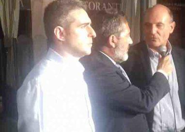 Pizzarotti 34,78%, Scarpa 32,73. l'ex sindaco primo ma di poco