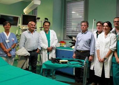 Gastroenterologia, donato un microscopio dai benefattori dell'associazione Snupi