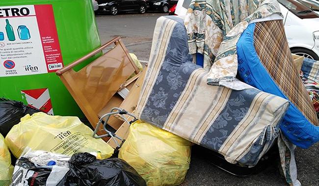Traversetolo: risparmiare affidando il ritiro di rifiuti ingombranti al Comune