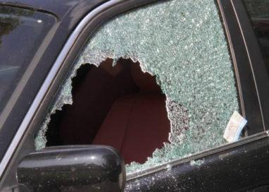 Ladro seriale arrestato: stava rubando su un'auto in via Palermo