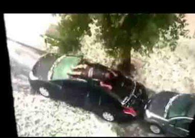 Via Verdi: rompe finestrini e si appisola sul tetto vettura