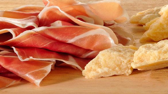 Coldiretti su Parmigiano e prosciutto: stoppata l'etichetta a semaforo