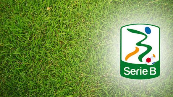Serie B, il Palermo asfalta il Bari e si porta al primo posto