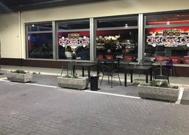 Cicì Cocò Cafè devastato dai ladri. Rubati soldi e generi alimentari