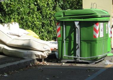 La nuova frontiera dei rifiuti: lo scaricatore di materassi