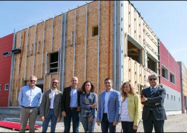 Scuola Anna Frank: continuano i lavori per il miglioramento dell'edificio