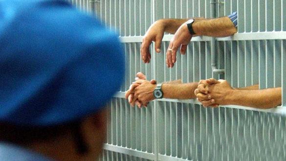 Emergenza carcere: il ministro Orlando risponde a Pizzarotti
