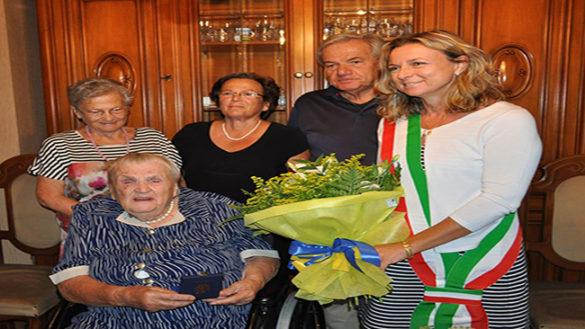 Cento candeline per Argia Malvisi, mai stata in ospedale