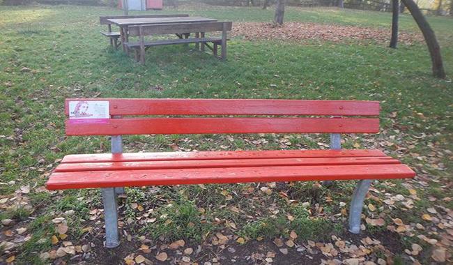 """Inaugurazione """"panchina rossa"""" e posa della targa dedicata a tutte le vittime di femminicidio"""