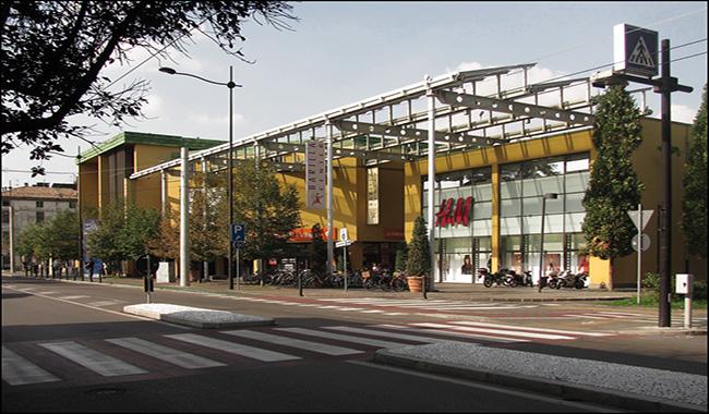 Barilla Center, doppio tentato colpo al negozio Apple