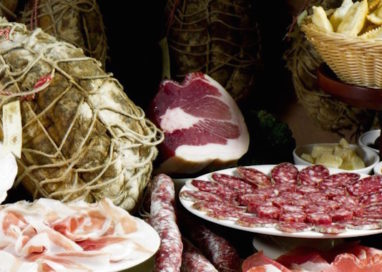 Frode alimentare: sequestrati oltre 1000kg di salumi a Parma