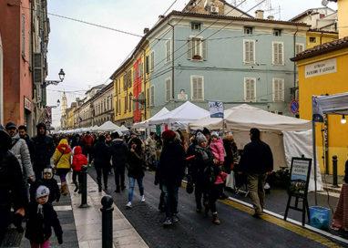 """Torna in via D'Azeglio il tradizionale mercatino """"Natale sotto l'Albero"""""""