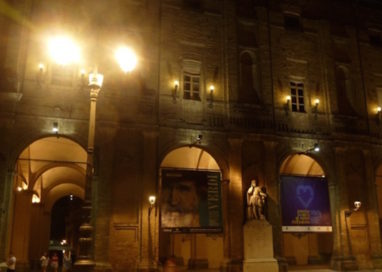 Piazza Garibaldi, rissa tra stranieri. Volano bottiglie e morsi