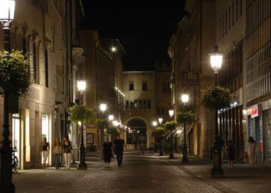 Via Cavour, bulletto aggredisce mago. Brutta immagine di Parma