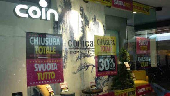 Parma, chiude il negozio Coin di via Mazzini