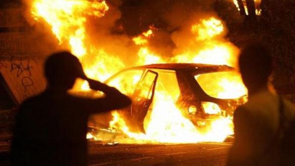 Auto incendiata nella notte in largo Leopardi, a Fidenza
