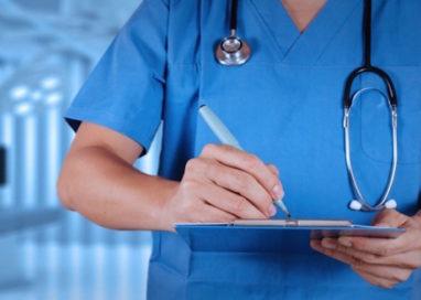 Oltre 5.000 candidati per un posto da infermiere. Affittato il Palacassa, l'esame il 23 gennaio