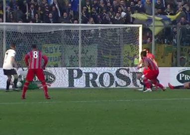 Il Parma crolla a Cremona nel finale e perde 1 a 0