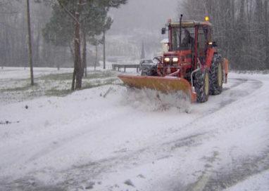 38enne minacciato con una pistola mentre spala la neve a Scurano