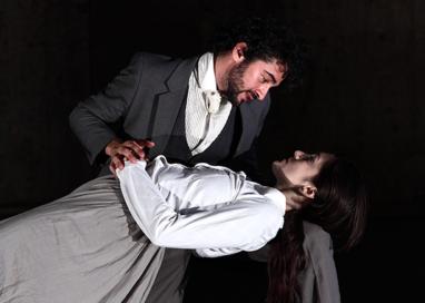 """La Recensione Teatrale della Settimana – """"La mite"""" visto al Teatro del Cerchio"""