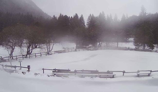 Torna la neve in montagna. Lagdei e Lagoni imbiancati