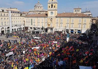 Parma, un lungo corteo contro le mafie ha attraversato la città