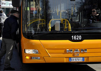 Frenata d'emergenza dell'autobus: sette persone in ospedale
