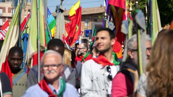 In migliaia al corteo del 25 aprile: polemica Pizzarotti-Lega sull'antifascismo