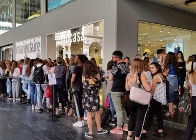 Casting via Mazzini: oltre 300 ragazze in coda