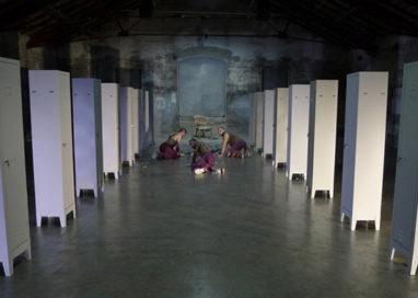 """La Recensione Teatrale della Settimana – """"Rosa Winkel"""" l'ultima creazione di Lenz Teatro"""