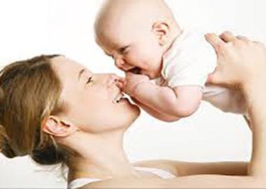 Mamma esclusa da Cibus: portava una neonata in braccio