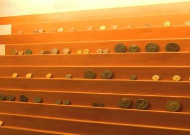 Riapre la collezione di monete e medaglie della Pilotta