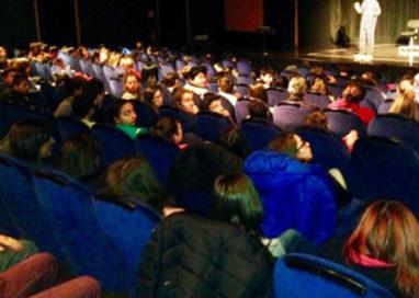 Alla scuola Puccini spettacolo degli studenti contro bullismo