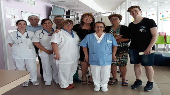Ospedale dei bambini: più privacy agli adolescenti grazie alla donazione di due paraventi